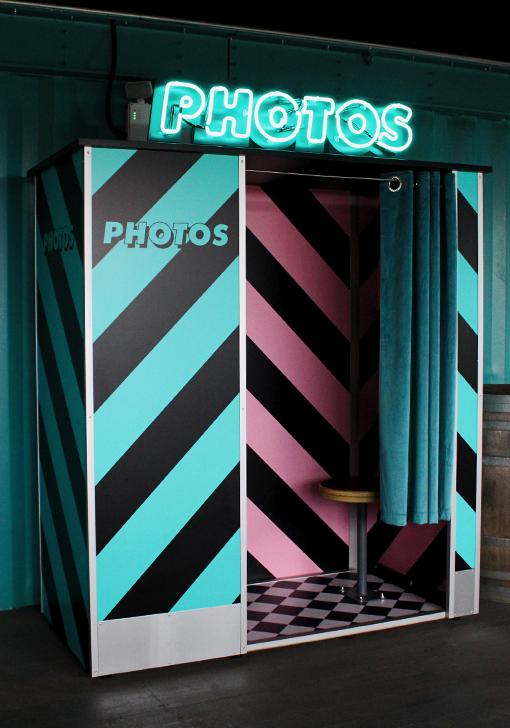 Bar Photo Booth
